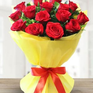 Bunch of Pretty 15 Red Roses